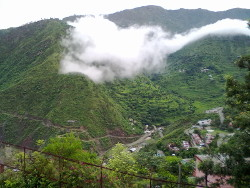 foto: berglandschaft im himalaya